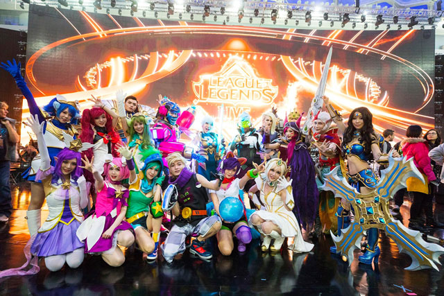 State Farm LCS Summer Finals Cosplay Contest   League of Legends